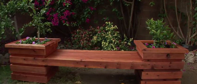 planter box bench in the backyard